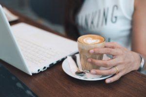 仕事を休職した場合のお給料はどうなる?手当の申請方法