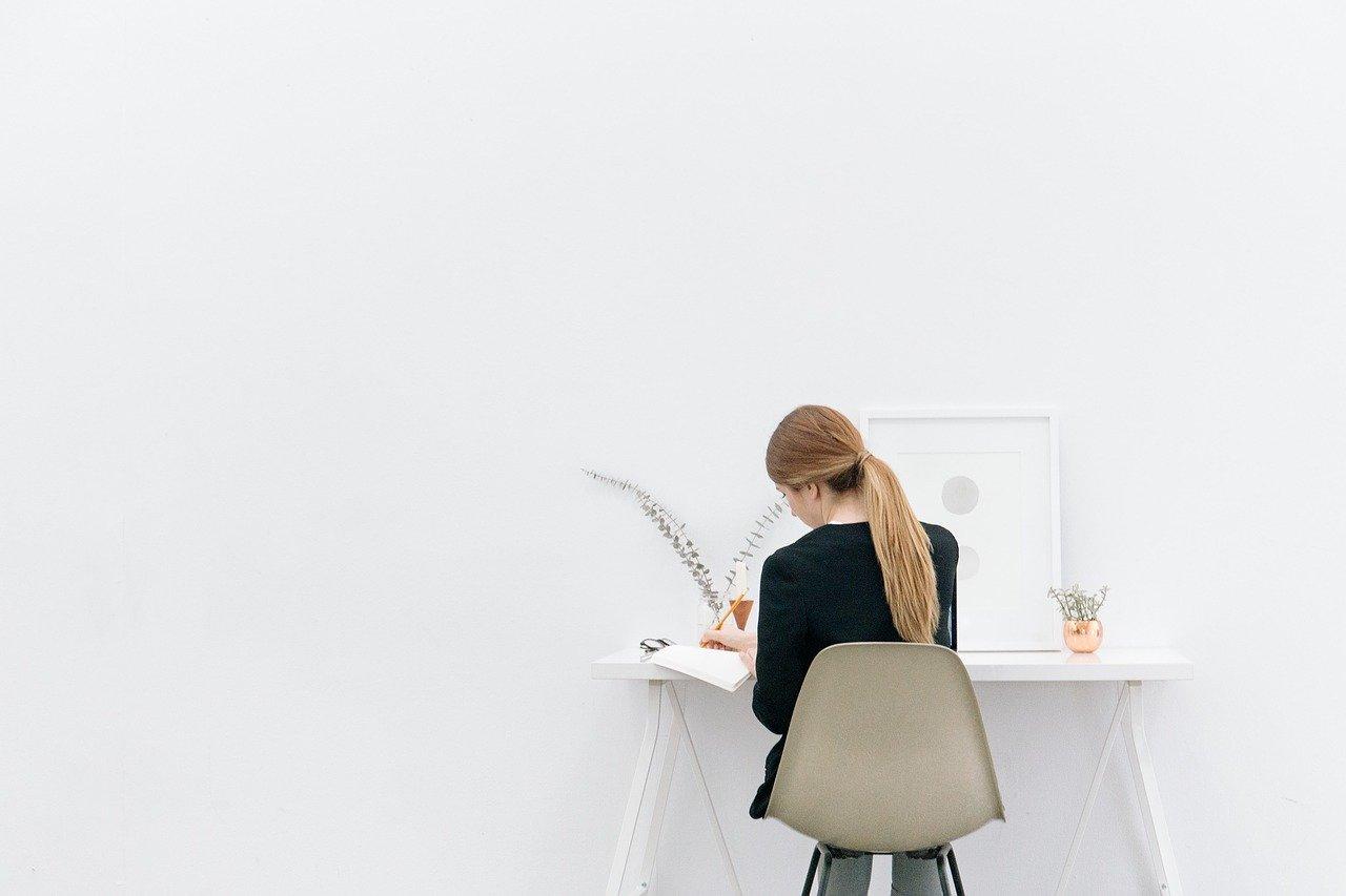 土日休みの仕事に転職するなら業界・企業研究は必須!