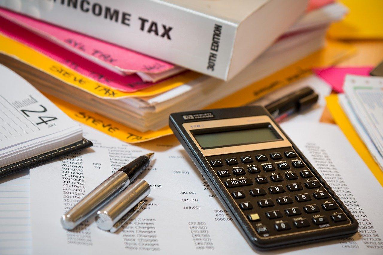 税金や保険料はどうなる?仕事の掛け持ちとお金のこと