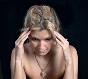 これはメニエール病?単なるめまいと間違えやすい症状