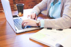 在宅勤務をしている人の割合と効率