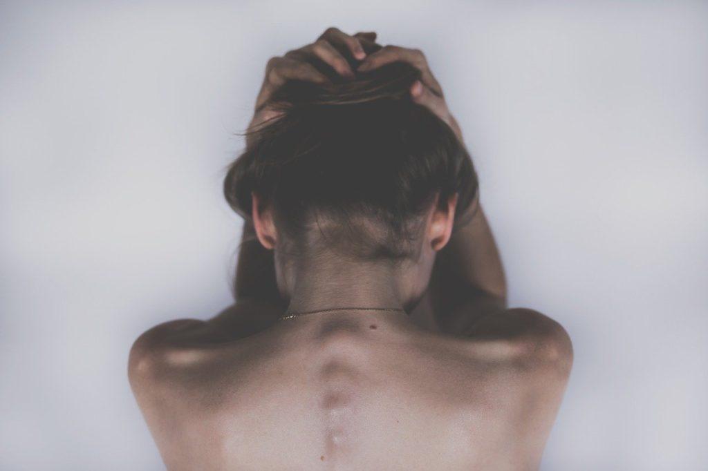 仕事終わりの頭痛の原因は?頭痛のタイプを見極めよう