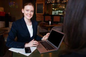 仕事の人間関係へのストレス対処法②職場の雰囲気が悪いなら自ら動いてみよう
