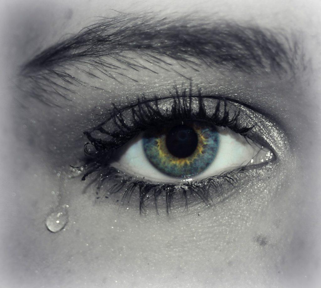 涙が出るほど辛い時に、それ以上自分を追い込まないで