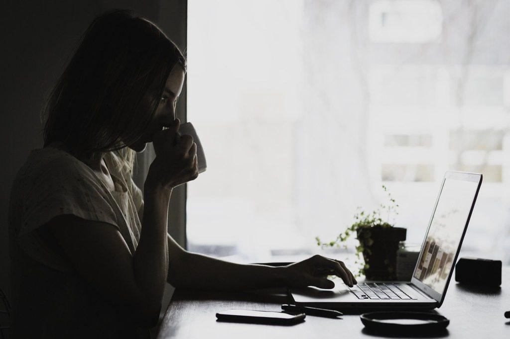 仕事のあいさつって本当に必要なこと?