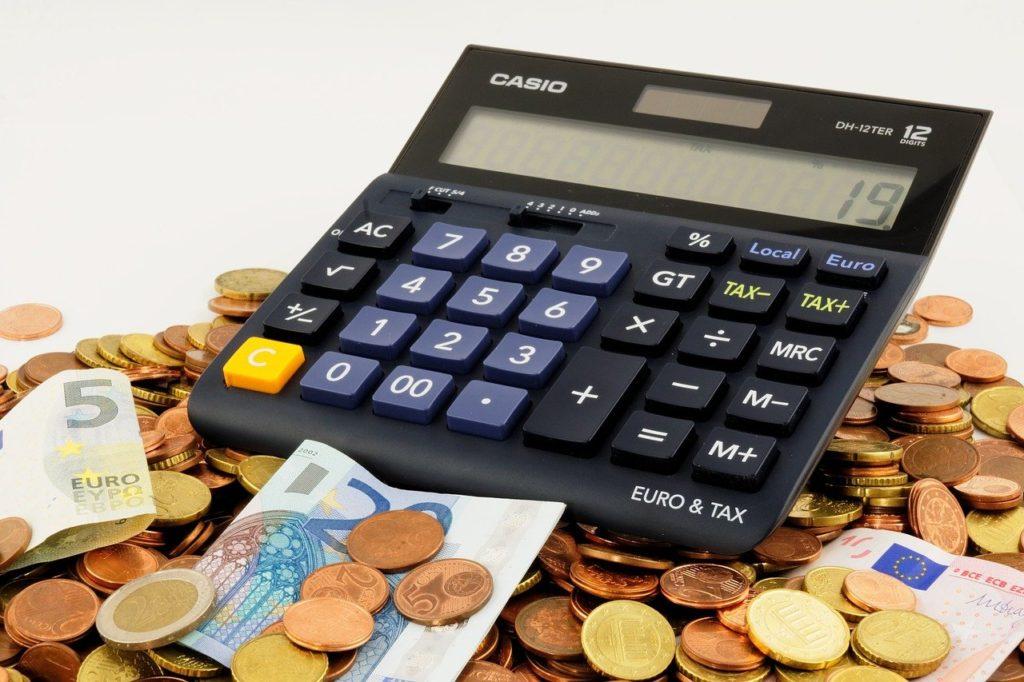 仕事せずに生きるために必要な金額を計算する